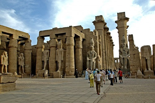 luxor-by-female-tour-guide
